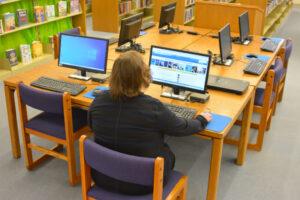 computer use at table